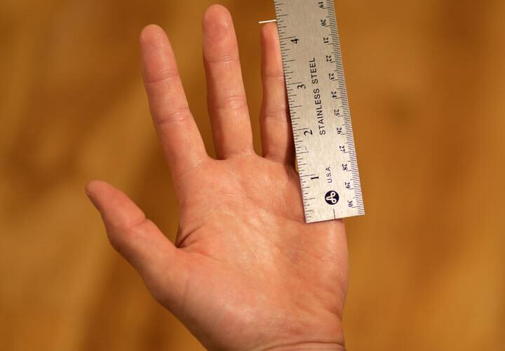 Measuring Grip Size for Beginner Tennis Racquet
